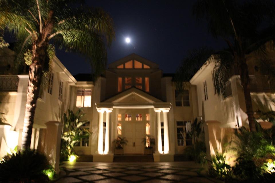 Custom Outdoor Landscape Lighting